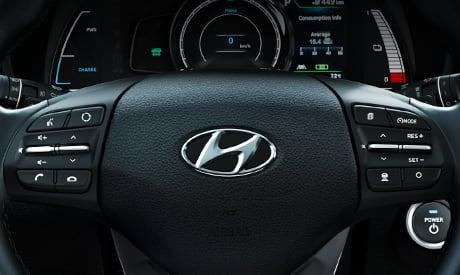 Hyundai Kona Elektro - Lenkradfunktionen